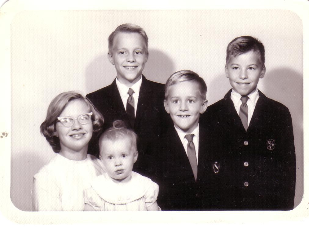 1965 Another Family Picture Im On The Right